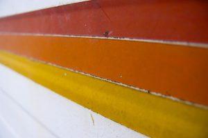 Jakimi farbami malować elewacje?